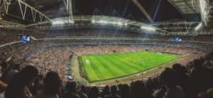 Das ausverkaufte Fussballstadion