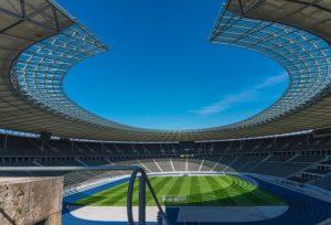 Das Berliner Olympiastadion an einem schönen klaren Tag